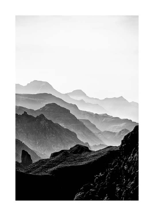 Black Rocky Mountains Poster / Zwart wit bij Desenio AB (3302)
